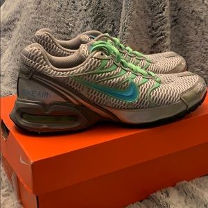 NIKE Max Torch 4